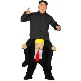 President Trump Draagt Zelfs Kim Kostuum