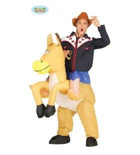 Cowboy Hank Met Zijn Opblaasbare Mustang Kostuum